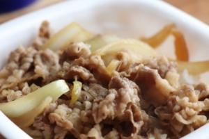 松屋の持ち帰り【牛皿】は主婦の、母の強い味方です!牛皿の素晴らしさを紹介します!