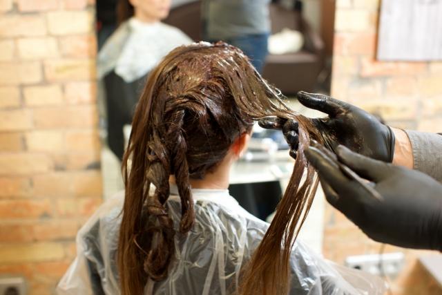 マックでバイトの髪色は厳しいの?求められる身だしなみについて解説!
